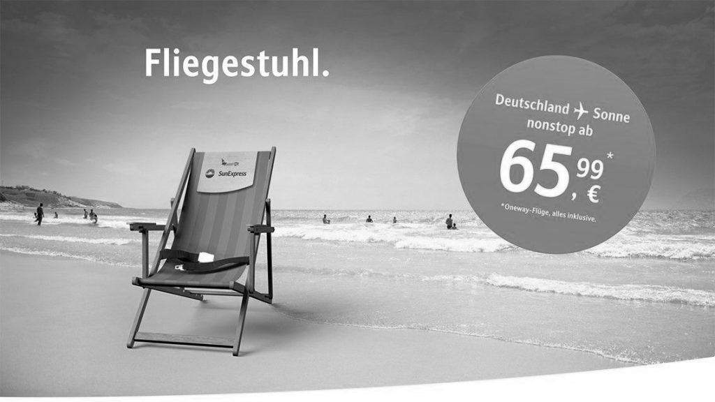Plakatwerbung der Fluggesellschaft <em>SunExpress</em>