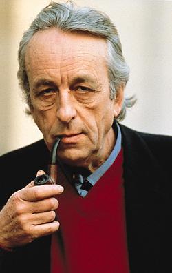 Louis Althusser (1918-1990), u.a. Lehrer von Pierre Bourdieu, gebrauchte den Begriff der méconnaissance, um auf Verdrängungsmechanismen aufmerksam zu machen, die im Gegensatz zu Freud sich keinem individuellen Trauma, sondern einer kollektiven Ideologie verdanken